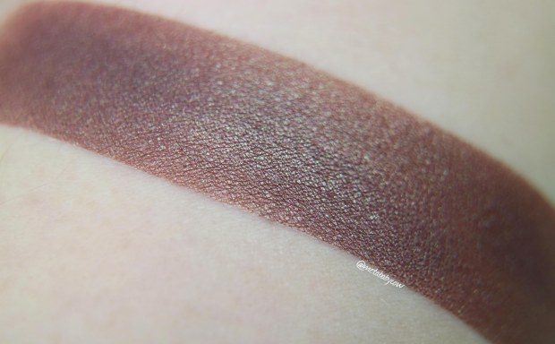 brija-cosmetics-eyeshadow-the-rose-closeup-swatch